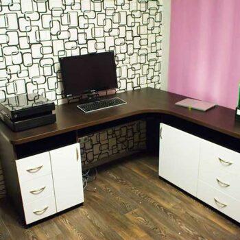 Угловой компьютерный стол «Байт»
