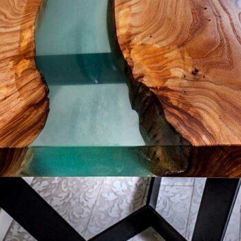 Эксклюзивный стол «Водолей»