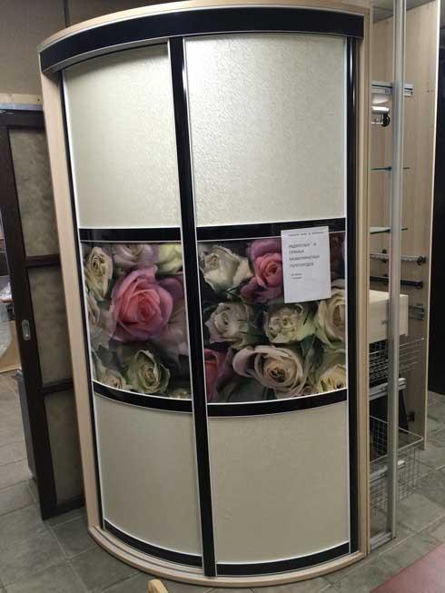 Радиусный угловой шкаф-купе «Кигли»
