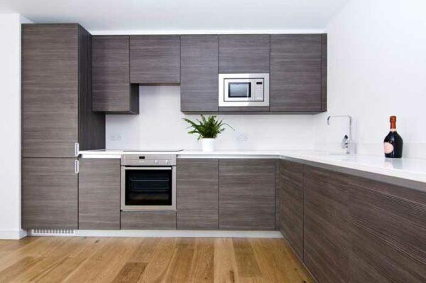 Угловая древесная кухня «ДE3»