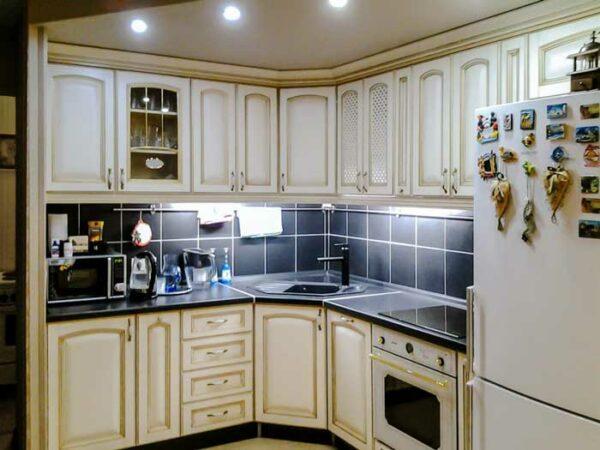 Классическая угловая кухня «КУ7»