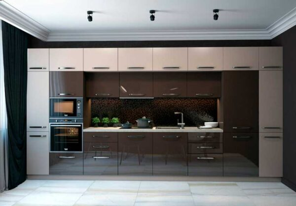 Глянцевая кухня с двойным верхним модулем