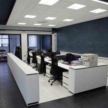 Рабочий стол в офис «Элгле»