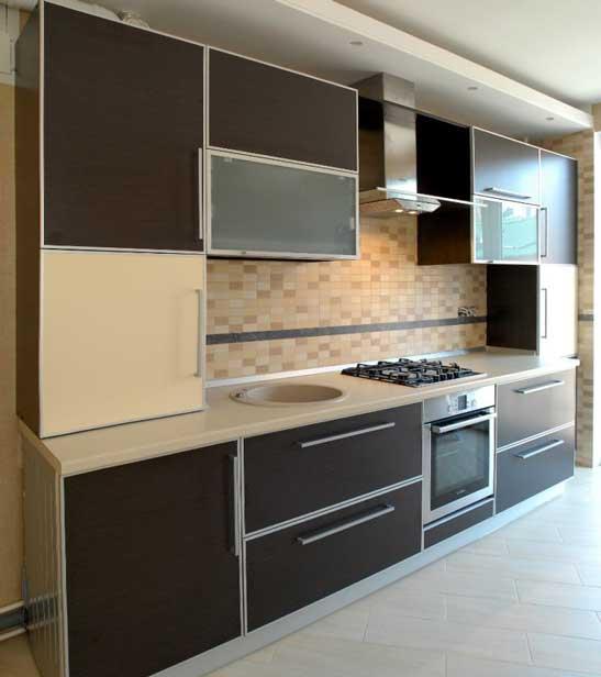 Кухня с фасадами из пластика «ПЛ4»